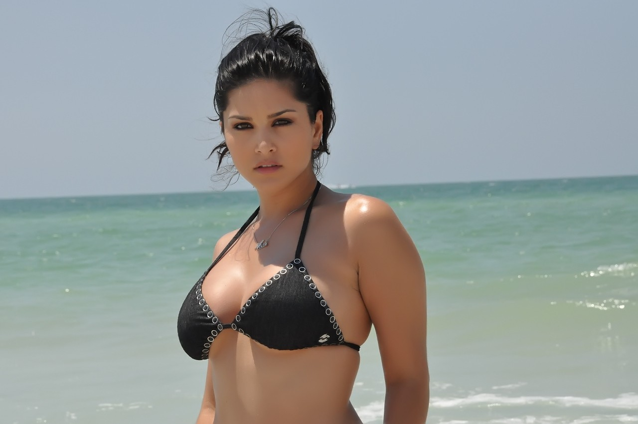 Fashion Style Design: Sunny Leone Hot and unseen wallpapers 2013