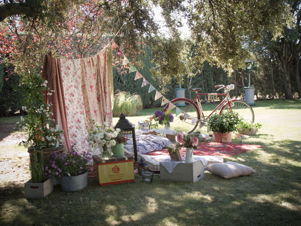 De lovely affair real global wedding bohemian for Decoration jardin soiree