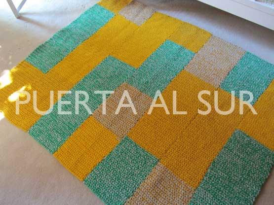 Puerta al sur alfombras cuadradas a crochet for Alfombras cuadradas