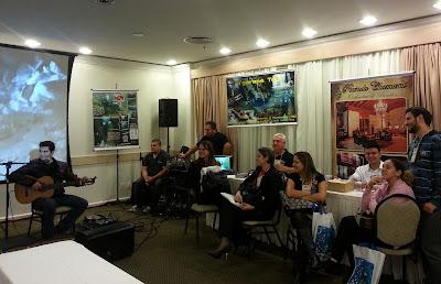 Gabriel Sater tocando música pantaneira no Road Show