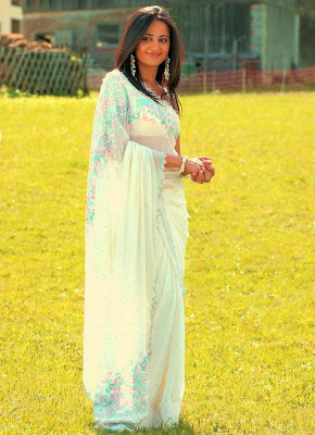 Actress Anushka in White Saree Photos