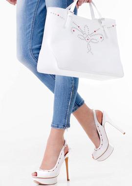 Stradivarius bolso blanco y zapatos plataforma tacón