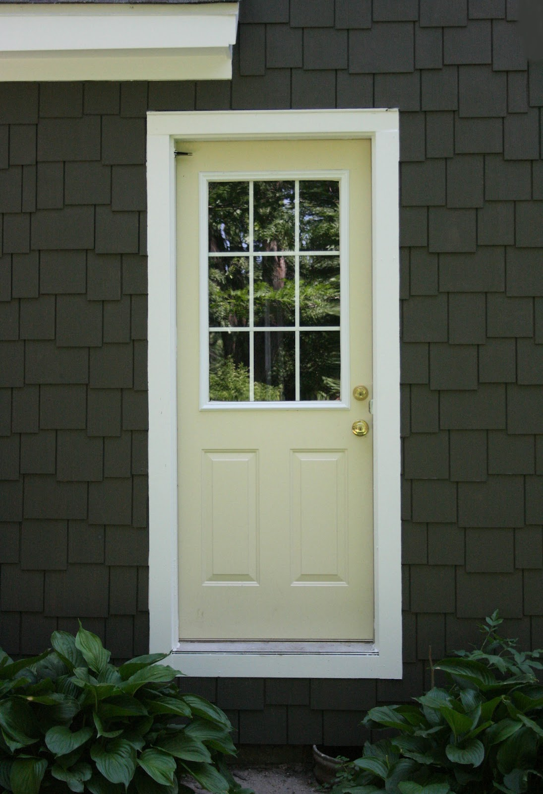 Charming Doodle...sew it, build it!: Which door color?