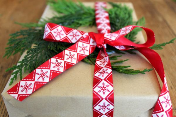 14 Creative Gift Wrapping Ideas For Christmas ~ Idees And Solutions
