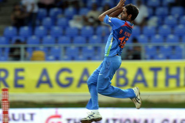 Bhuvneshwar-Kumar-4-wickets-vs-Srilanka-Tri-Series-2013