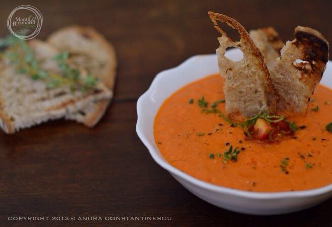 supa picanta de rosii cu lime, cimbru si chili