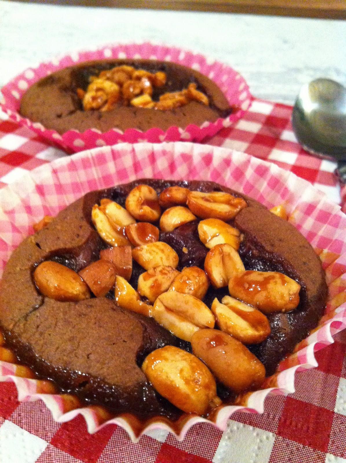 """alt=""""muffins au chocolat et cacahuètes caramélisées"""""""