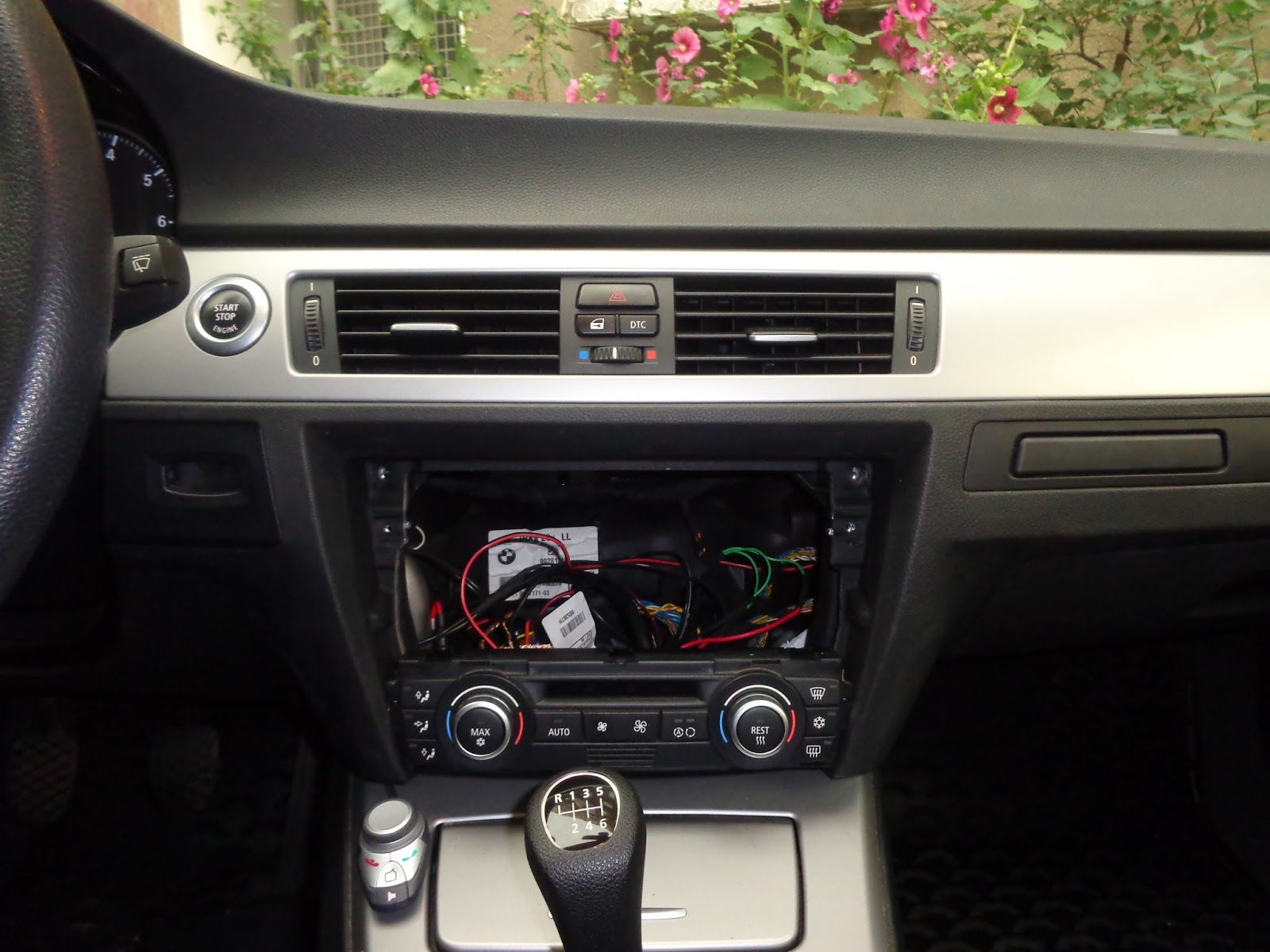 Engineering(DIY): Car PC project(August 2013 update)