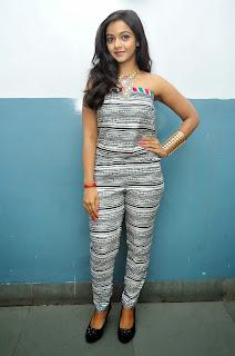 Nithya Shetty sizzling pics 006.jpg