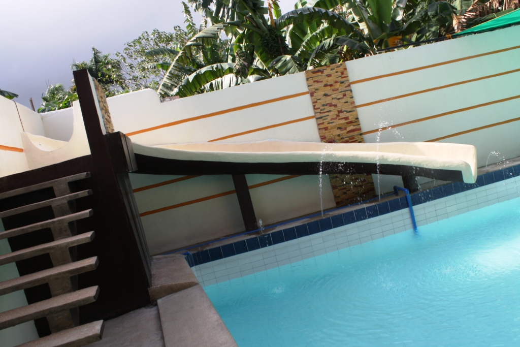 Villa adela private pool in pansol laguna 2013 for Affordable private pools in laguna