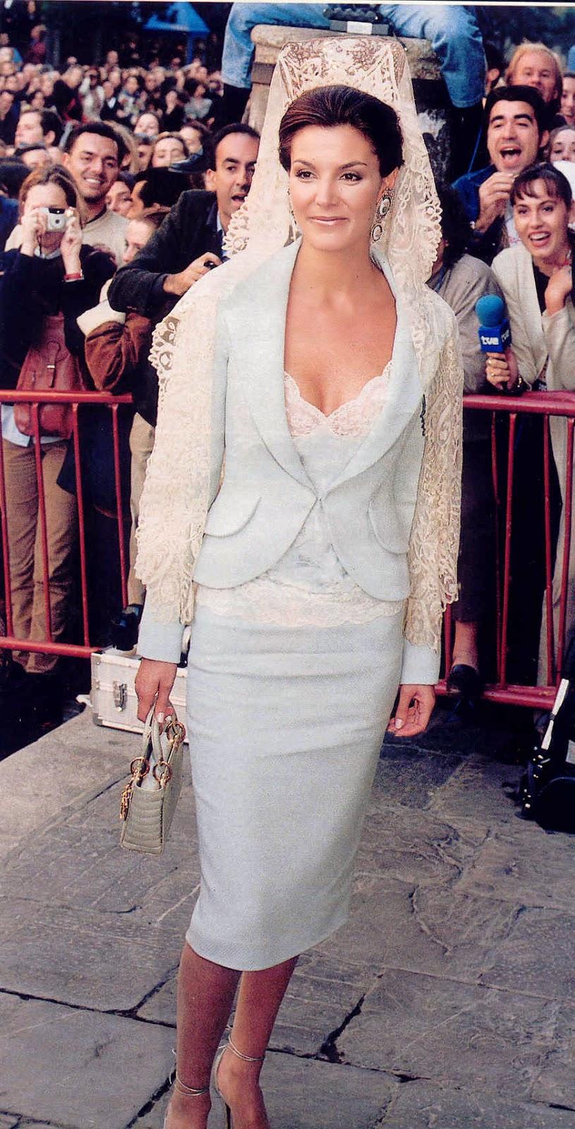 Vestidos para mantilla blanca
