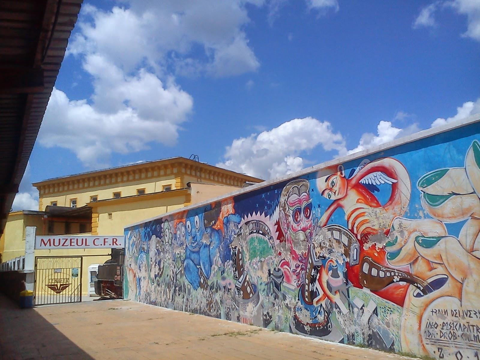 graffiti albastru de la Gara de Nord