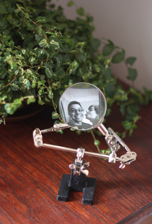 Use A Magnifier As A Tiny Photo Frame How About Orange