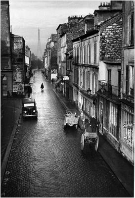 http://undr.tumblr.com/post/129861323192/andr%C3%A9-kert%C3%A9sz-paris-1932-la-rue-du-ch%C3%A2teau