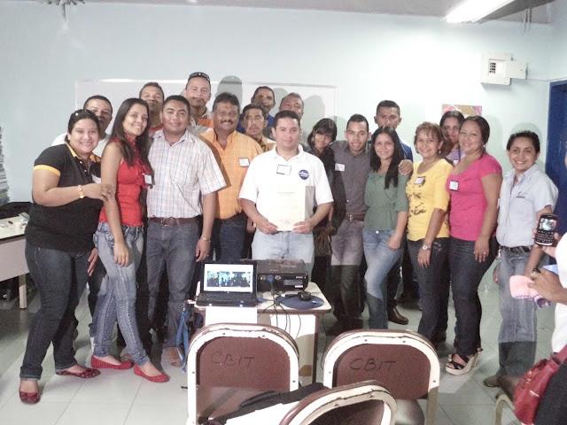 Dictado taller de Periodismo Estudiantil en Liceo Bolivariano Miguel Ángel Escalante