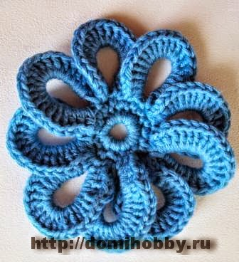 Flor tejida con ganchillo con patrón