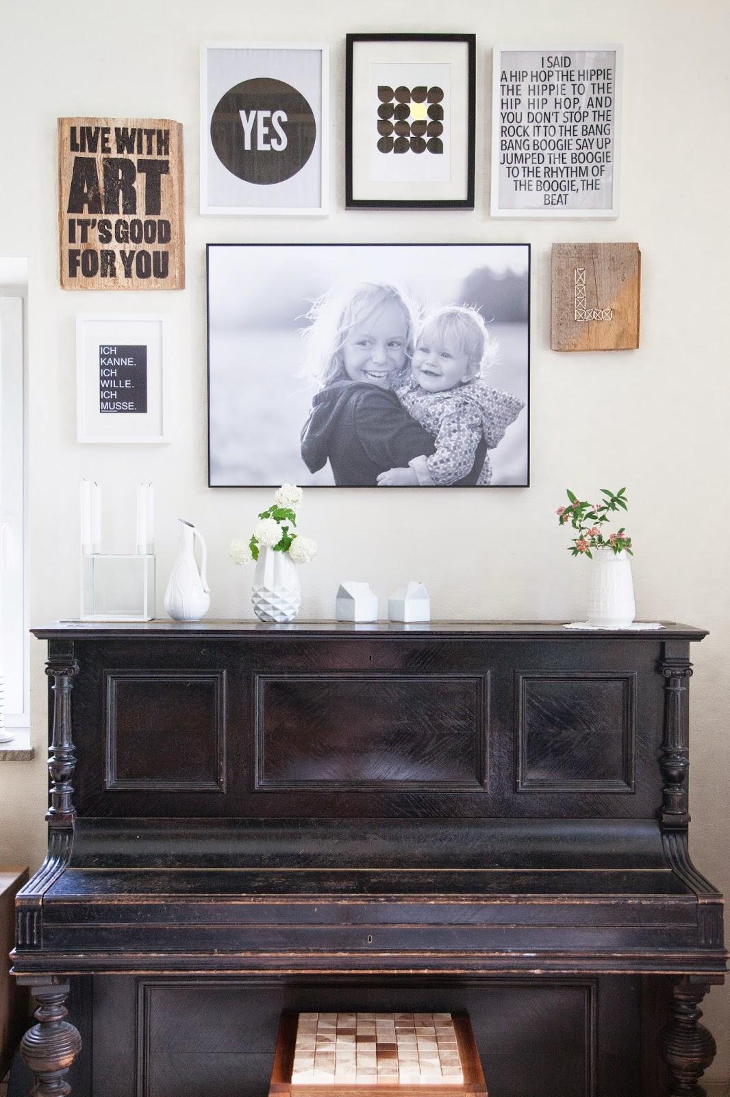 endlich wieder fotos an der wand. Black Bedroom Furniture Sets. Home Design Ideas