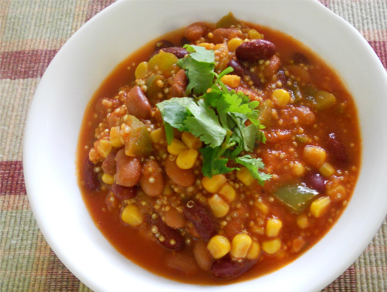 The Skimpy Pantry: Simple Quinoa Chili