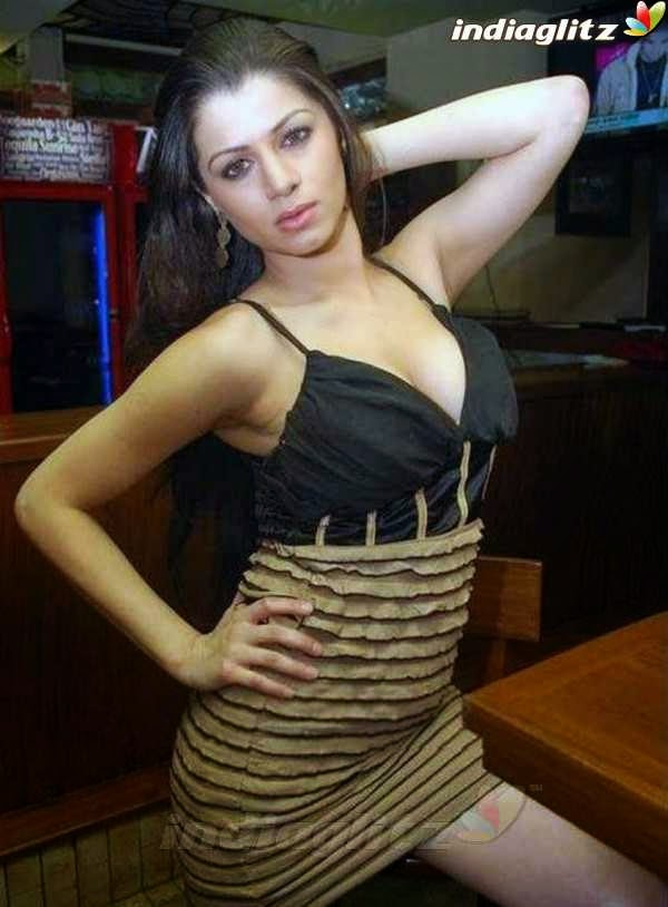 EXCLUSIVE SEXY: kainaat arora boobs