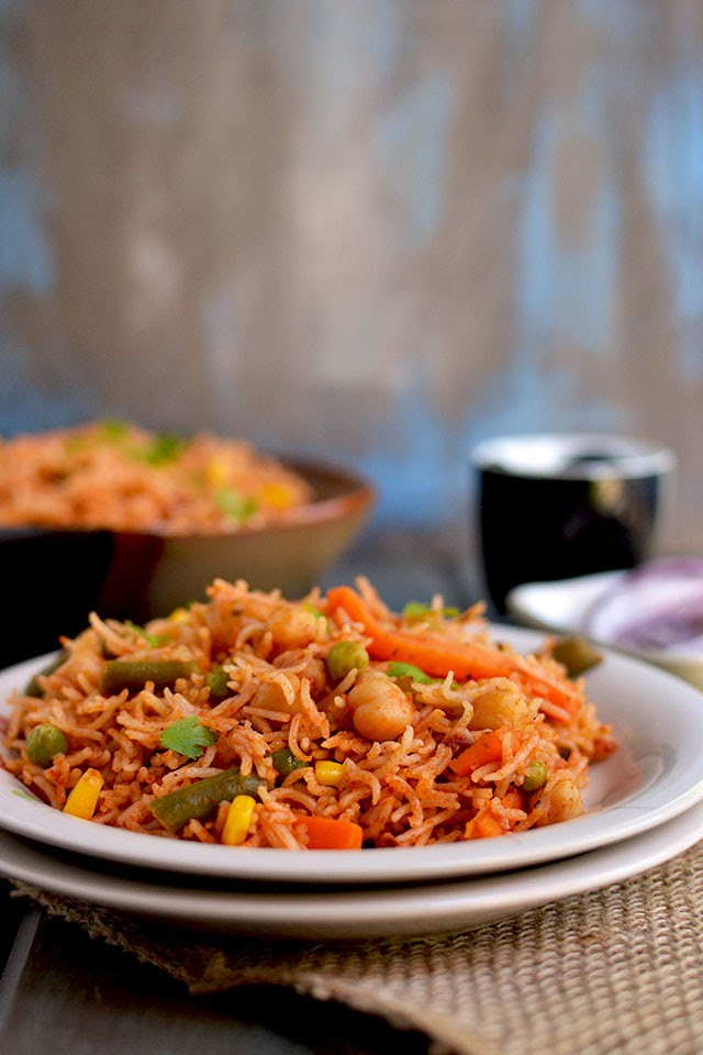 Rice with Makhani gravy & vegetables