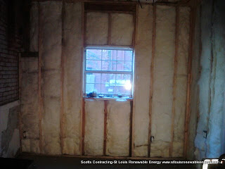 Scotts Contracting Installs R22 Insulation