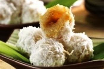 Klepon Singkong. i-Kuliner