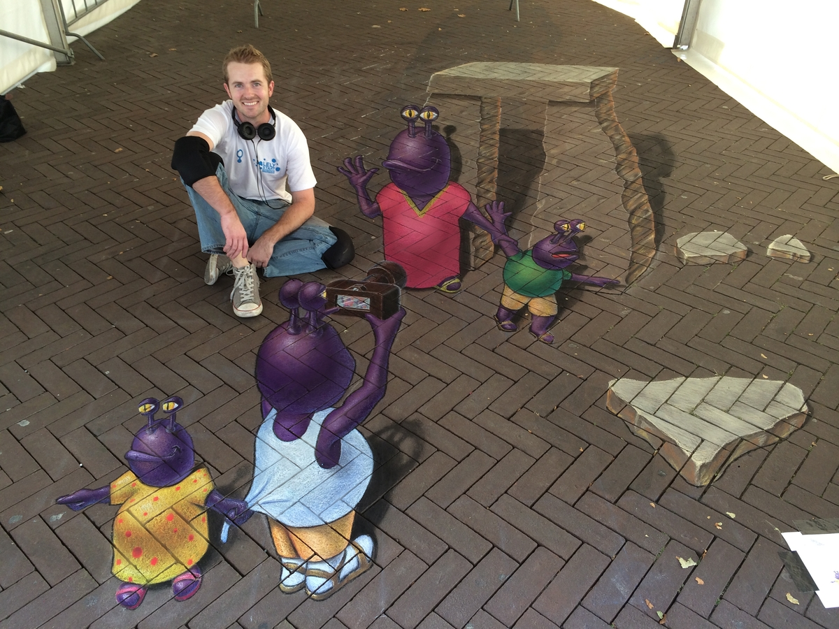 08-Alien-Vacation-Chris-Carlson-3D-Street-Art-Drawings-and-Paintings-www-designstack-co