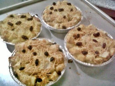 bahan dan langkah cara membuat Resep Puding Roti Keju Kraft