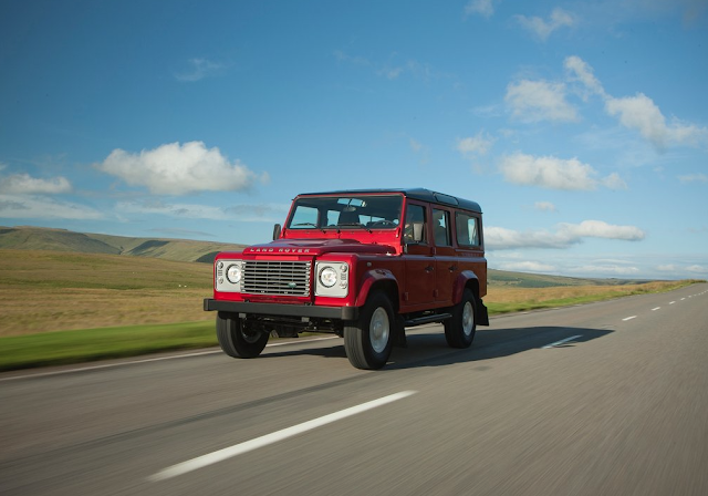 2013 Land Rover Defender 5-door red