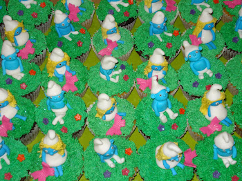 Smurf cupcakes 2