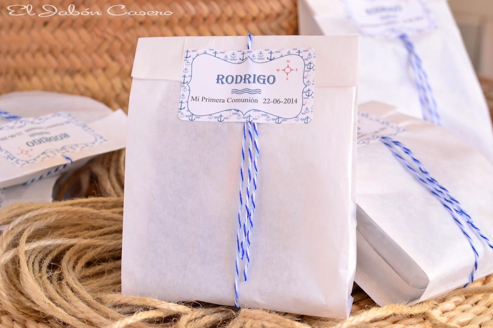 detalles de comunion jabones en bolsas de papel