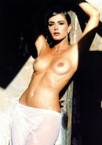 Francesca Rettondini Nude Topless