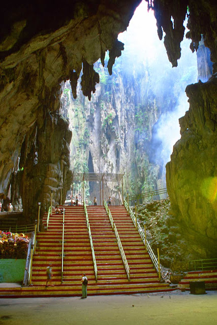 Mua sắm khi du lịch Malaysia-động Batu