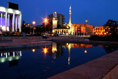 Etem Mezquita de Bey, Albania
