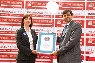 Future Generali Insurance India, FGIW Guinness World Record 2011, Future General India, India's Future Group and Generali of Italy, Future Generali Insurance India record, longest balloon chain in the world