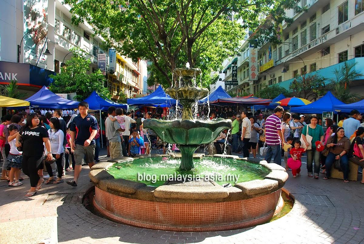 Gaya Street Market in Kota Kinabalu, Sabah