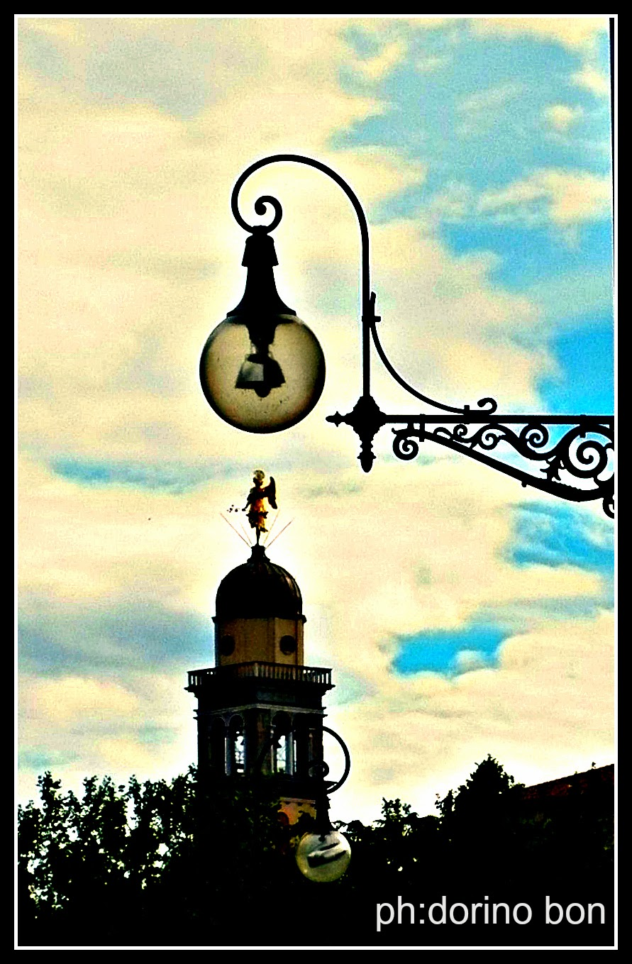 GLI AFFASCINANTI LAMPIONI DI UDINE