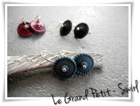 porcelain earrings - Le Grand Petit - Swirls 12mm with sterling silver earwires made by suus Notenboom