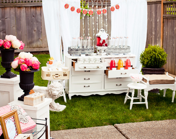 A Very Stunning Vintage Bridal Shower