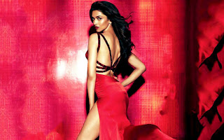 deepika padukone latest super hot stills