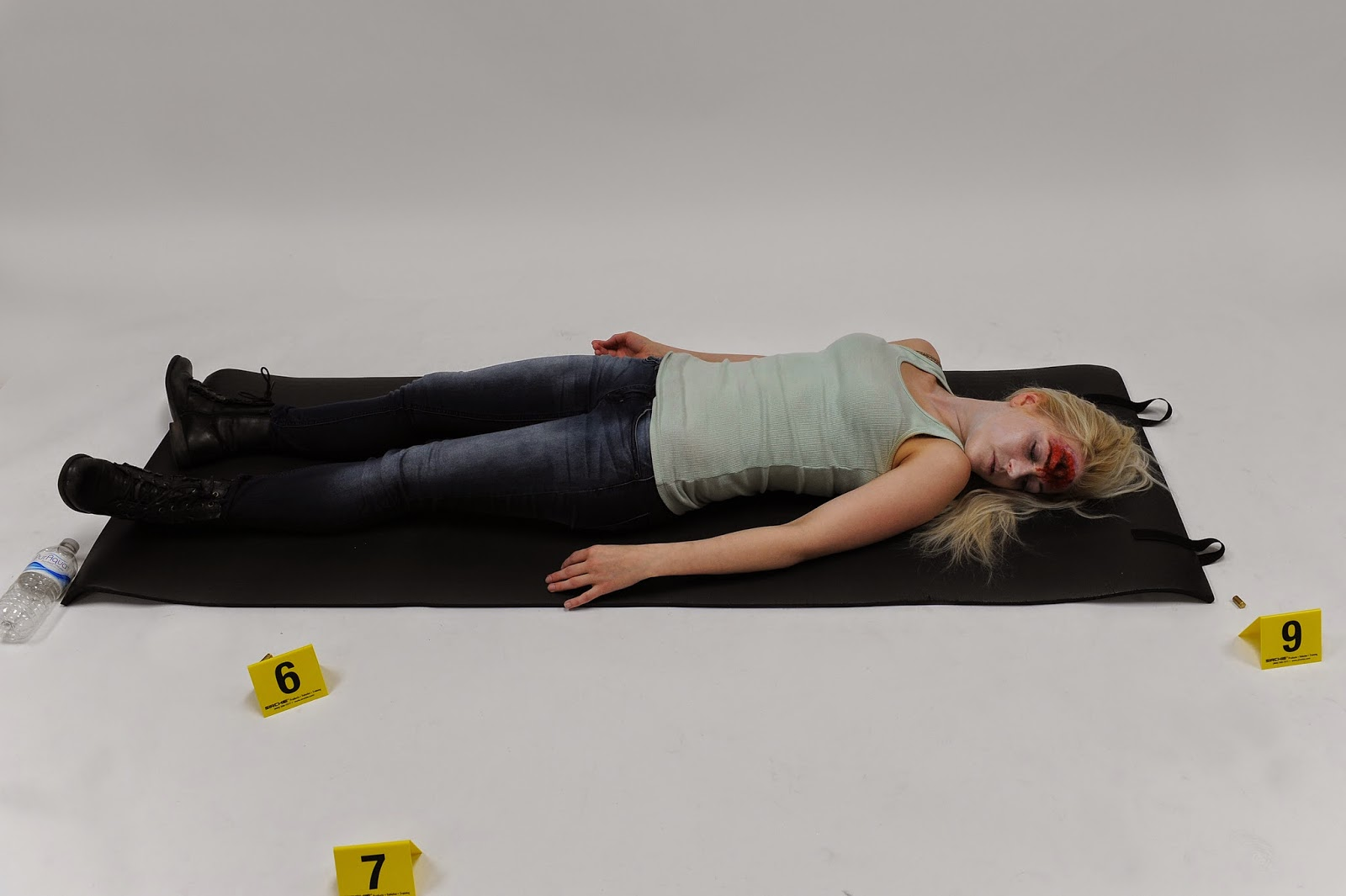 single person and crime scene team How is it possible to identify the person who committed a crime a single  investigation team who is involved in a crime-scene investigation the team is made up.