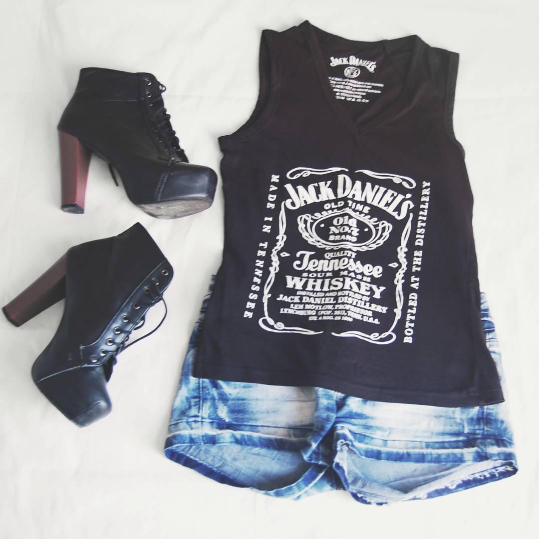 estilo-alternativo-botines-plataforma-jack-daniels-fashion-blogger-outfit