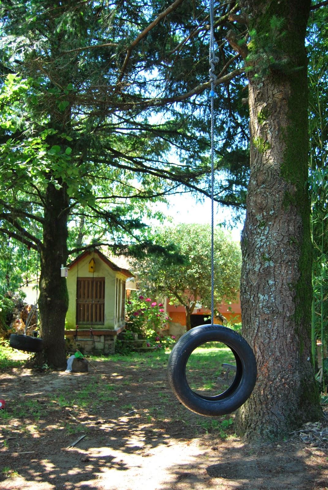 http://sosunnyblog.blogspot.pt/2014/07/columpio-con-neumatico-quiero-un-jardin.html
