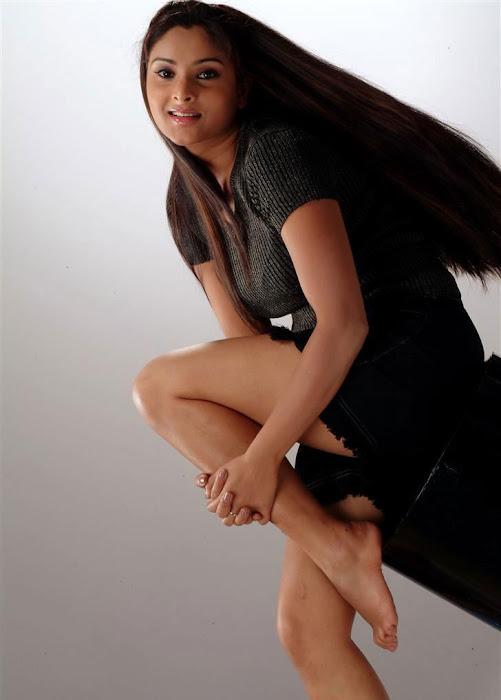 divya spandana new hot images