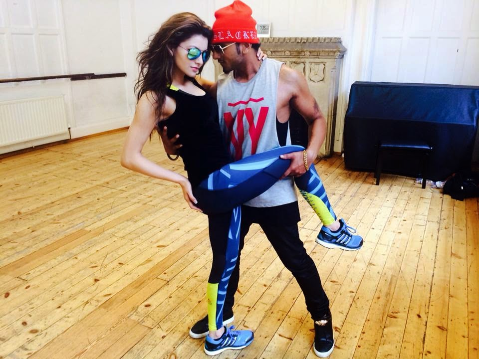 Yo Yo Honey Singh & Urvashi Rautela Rehearsing for Next Video at Royal Academy of Dramatic Arts London