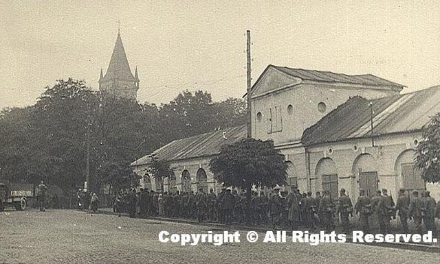 Końskie, wrzesień 1939 r. Niemieckie oddziały obok Annotargu [z kolekcji Rafała Ojrzanowskiego]