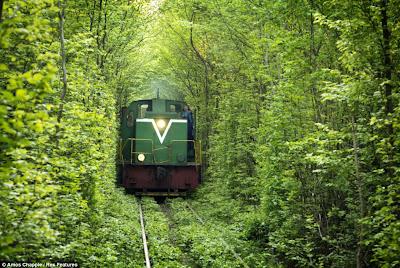 Sejuknya Terowongan Cinta Ukraina