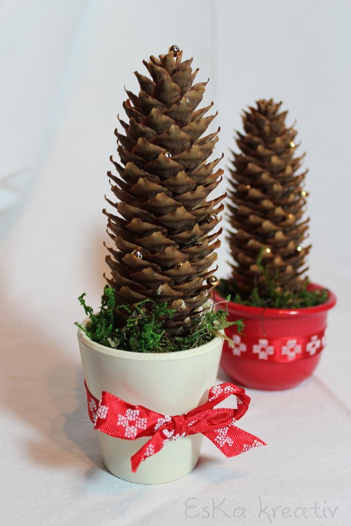 Eska kreativ vom tannenzapfen zum weihnachtsbaum - Weihnachtsdeko mit tannenzapfen ...