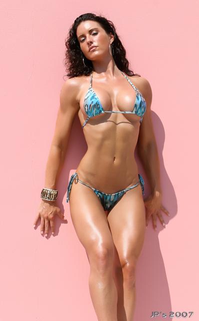 kellie maines bikini