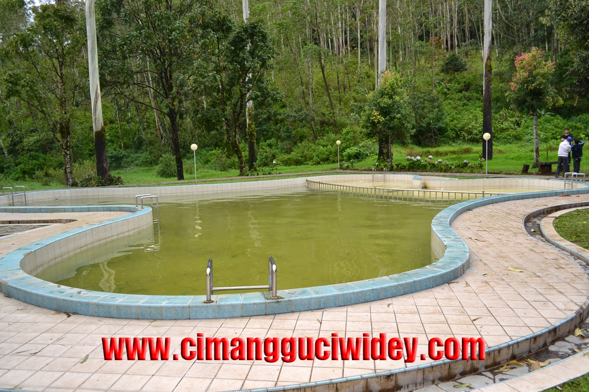 Kolam Renang VIP Penginapan Cimanggu Cottage